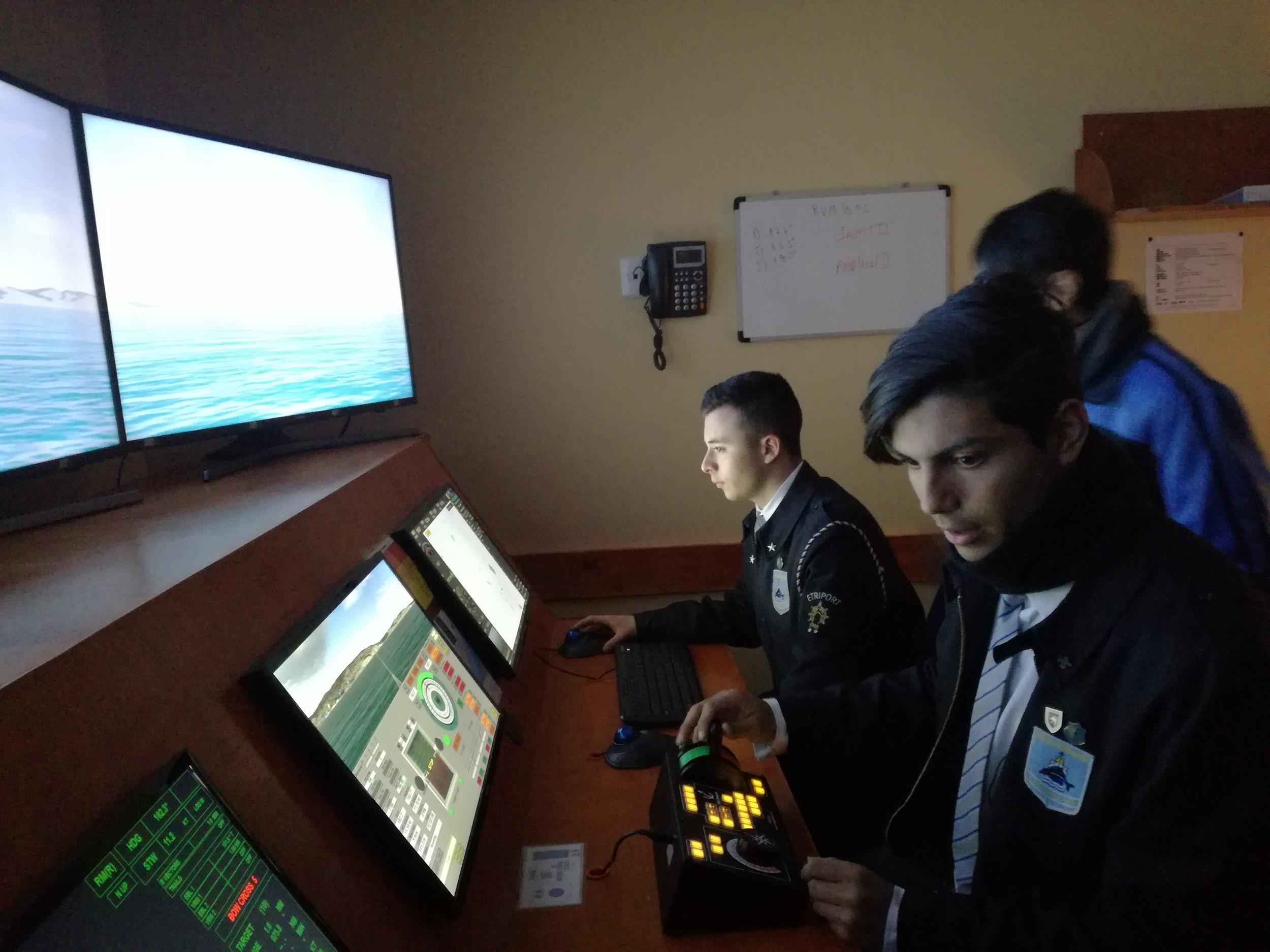 Visita 4° Tripulantes a Instituto Profesional Piloto Pardo